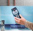 DETEKTOR za ugotavljanje električnih inštalacij in vodovoda pod ometom